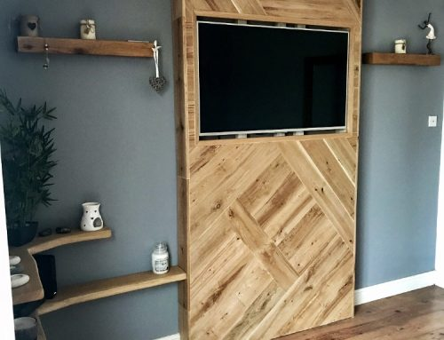 Oak statement TV wall mount